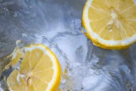 """L""""huile essentielle de citron pour les mauvaises odeurs"""