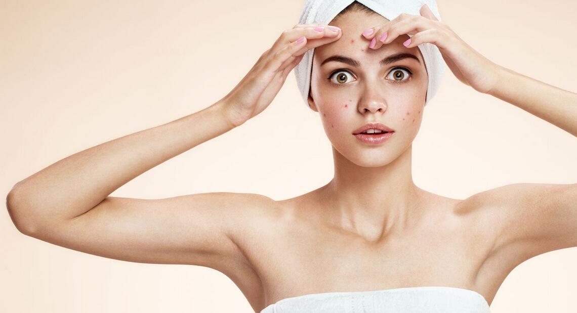 Comment se débarrasser des points noirs sur la peau